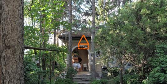 Casa – 60 mp , 420 mp teren – Centru