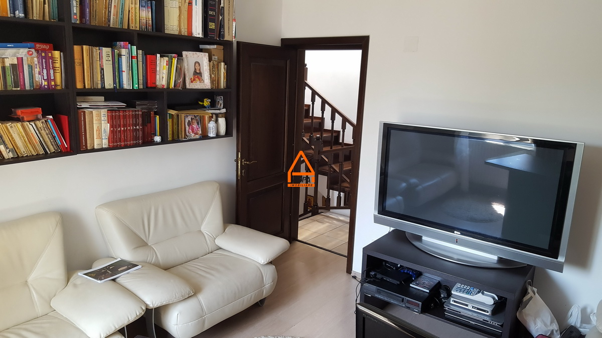 Vila / Casa – 270 mp – 540 mp teren – Bucium – Cartier Rezidential
