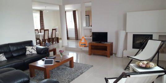 Casa / Vila – 230 mp , 1000 mp teren – Bucium
