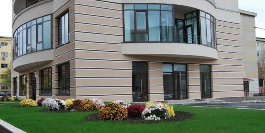 Apartament  3 camere -81 mp, Bloc Nou ,Centru