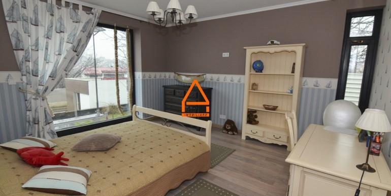 arpa-imobiliare-vila-lux-bucium-400mp-BGA4
