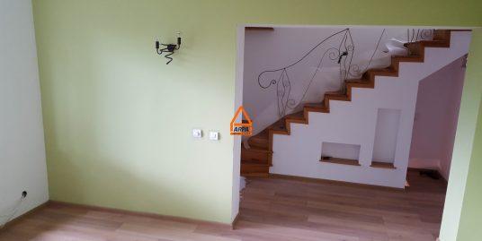 Casa / Vila – 110 mp , 700 mp teren – Copou