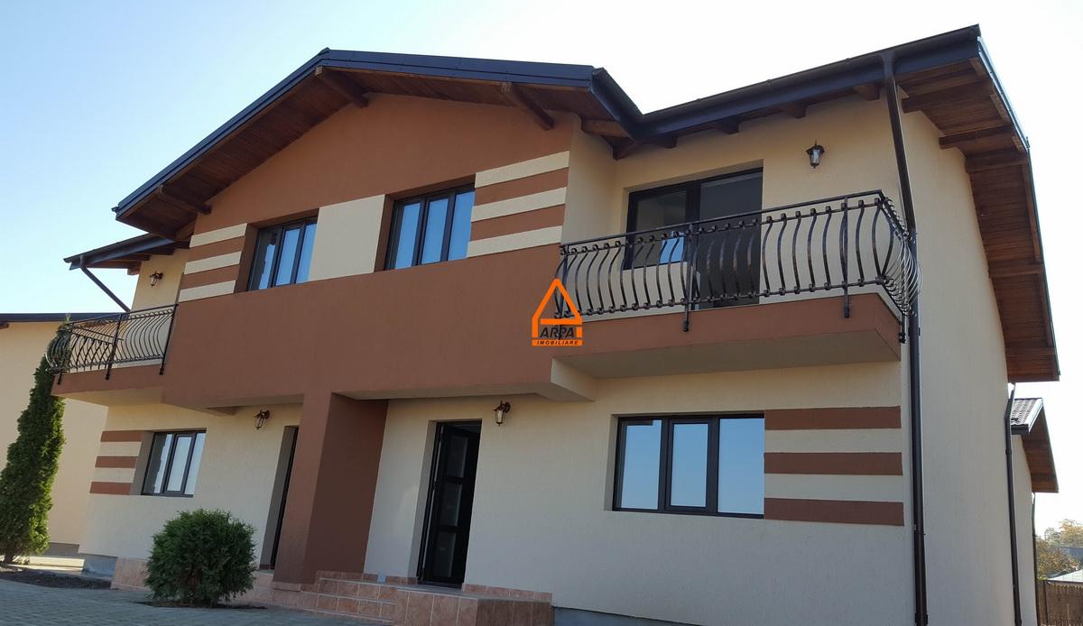 Casa / Vila 4 camere – 101 mp – 160 mp teren , Uricani – Miroslava