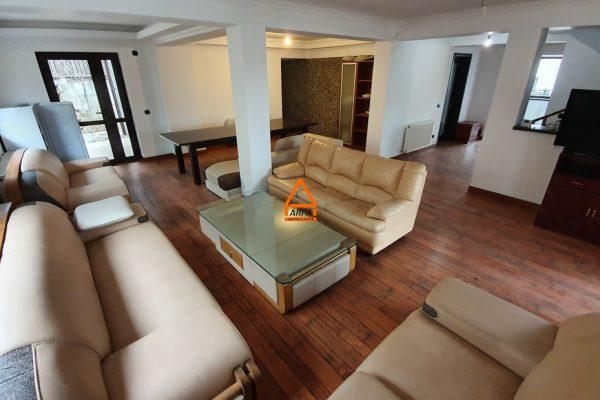 Vila / Casa – 360 mp – 800 mp teren – Cartier Rezidential , Bucium