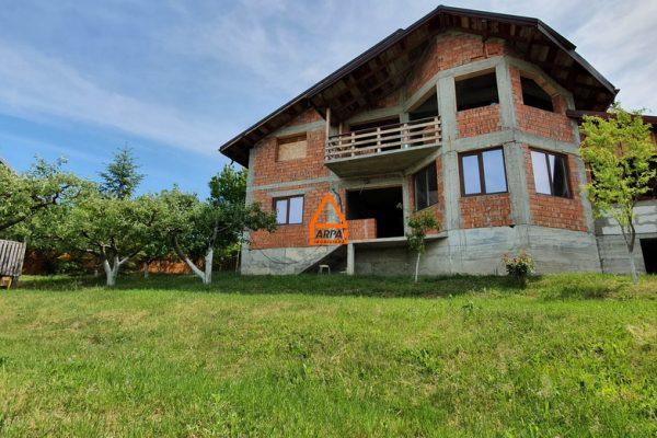 Vila / Casa – 240 mp , 1000 mp teren – Barnova