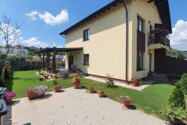 Casa / Vila 4 camere – 100 mp – 250 mp teren – Bucium